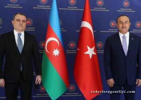 Ceyhun Bayramov Cavuşoğlu ilə telefonla danışdı